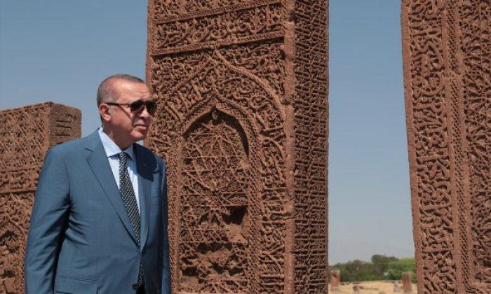 Başkan Erdoğan Selçuklu mezarında