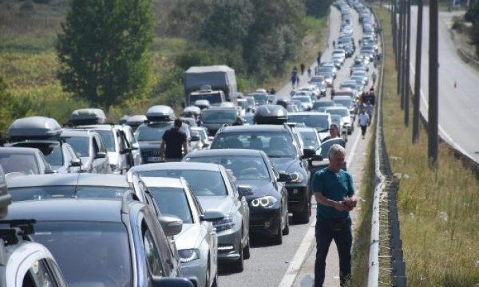 Bulgaristan'a geçmeye çalışan gurbetçiler çile çekiyor